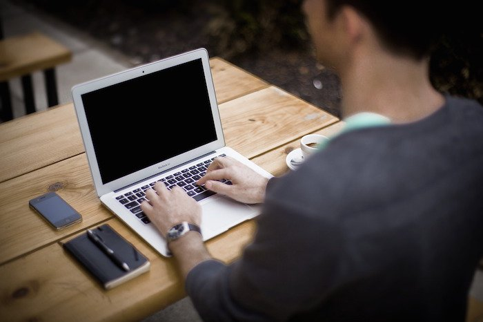 Les meilleurs blogs à suivre pour devenir de grands blogueurs et rédacteurs.